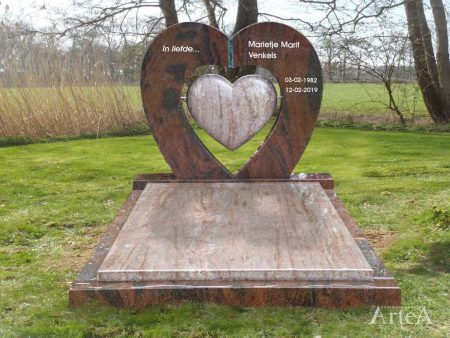 Grafmonument met zwevend hart